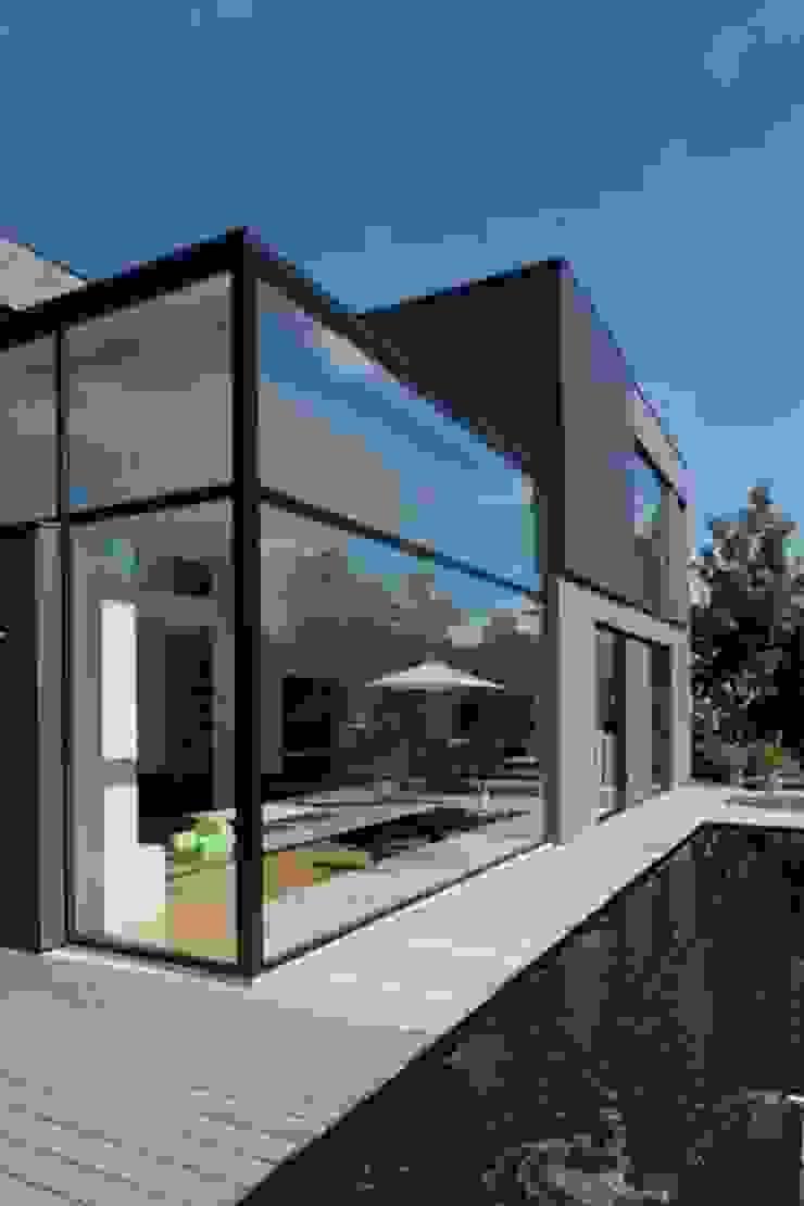 Casas estilo moderno: ideas, arquitectura e imágenes de hasa architecten bvba Moderno