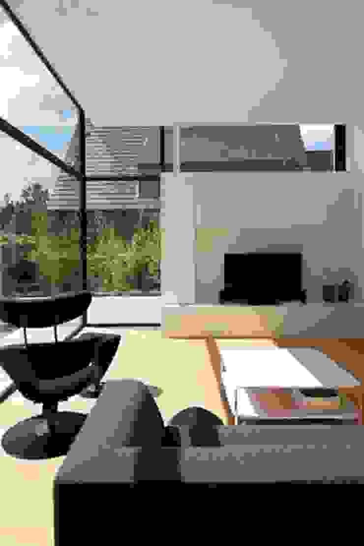 Salas modernas de hasa architecten bvba Moderno