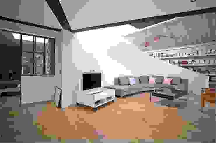 Loft Fenêtres & Portes modernes par WE LOFT YOU Moderne