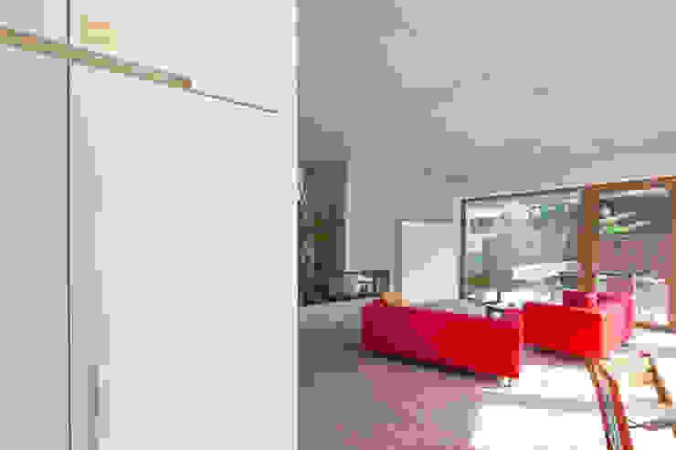 Salas de estilo moderno de hasa architecten bvba Moderno