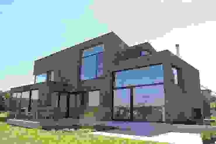 Modern Houses by hasa architecten bvba Modern
