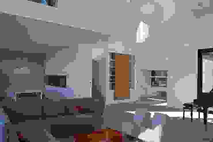 Modern Living Room by hasa architecten bvba Modern