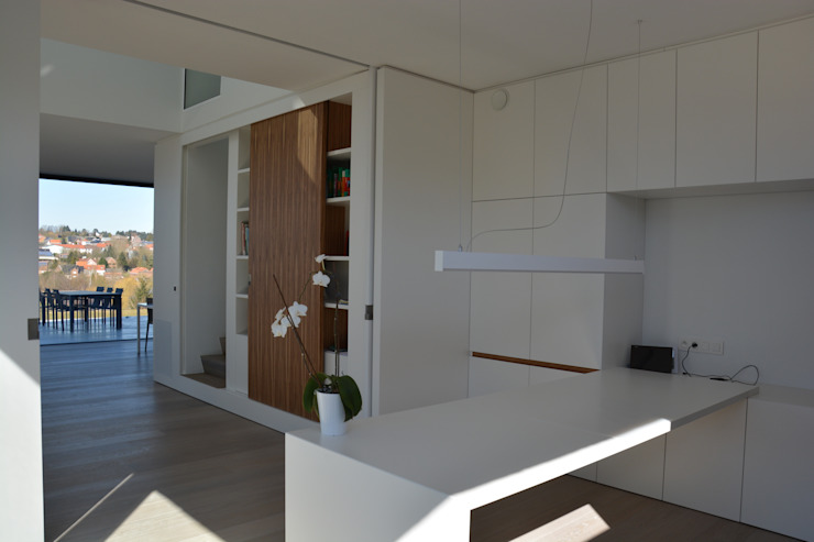 Modern Study Room and Home Office by hasa architecten bvba Modern