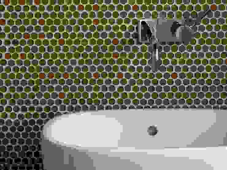 Bio Domus D.01, una casa di pregio, bioclimatica ed eco-sostenibile progettata per il comfort, l'eleganza e il benessere. Aroma Italiano Eco Design Bagno moderno Vetro Marrone