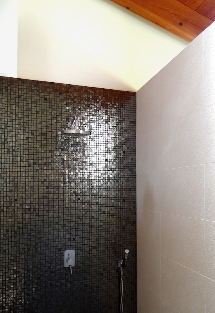 Luxury Sustainable Home | Santa Ana Costa Rica Aroma Italiano Eco Design Modern bathroom Glass Black
