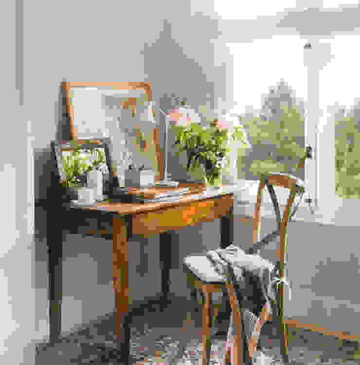 Vivienda unifamiliar en Barcelona Dormitorios de estilo clásico de Coton et Bois Clásico