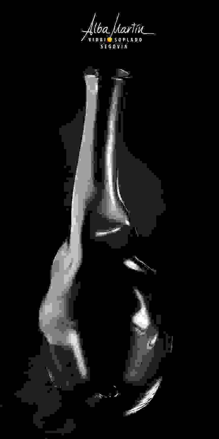 """""""Botella, decantador"""" vidrio soplado Gastronomía de estilo moderno de Alba Martín Vidrio Soplado Moderno"""
