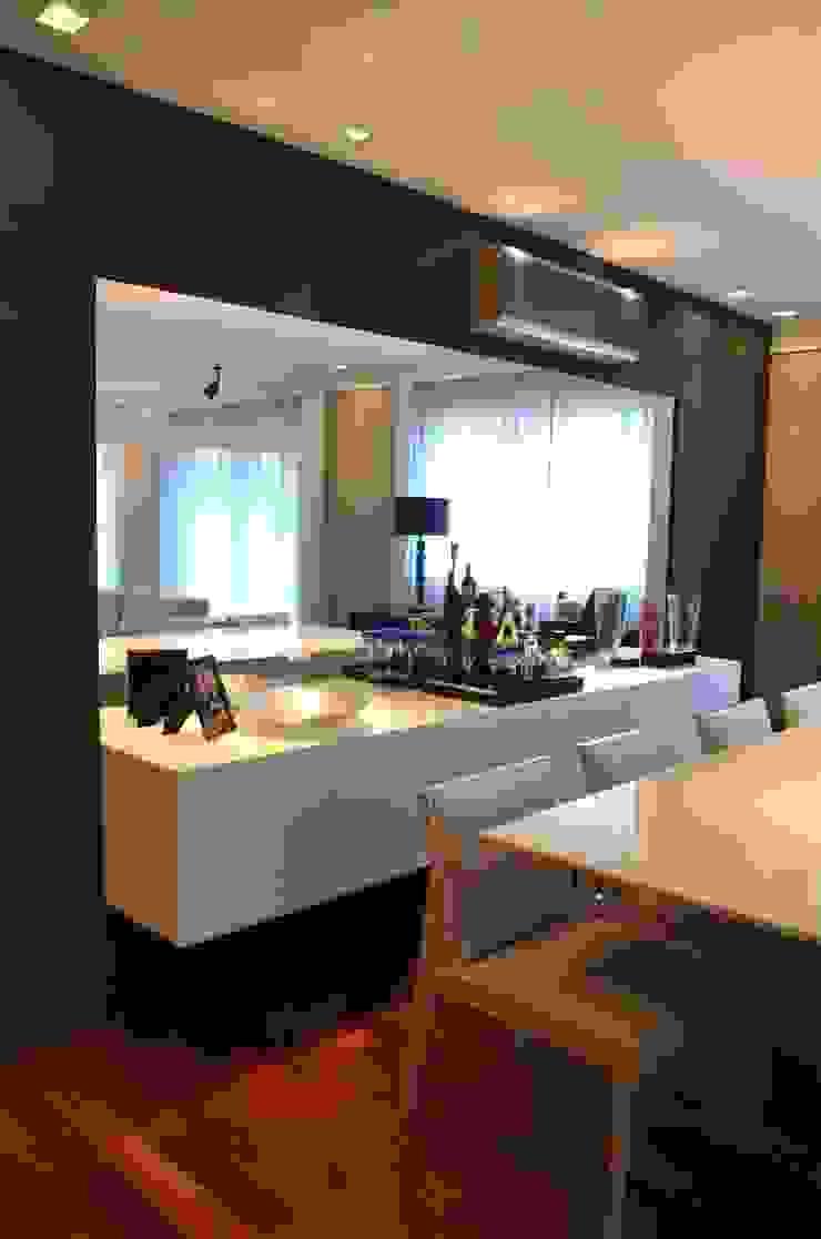Sala Salas de jantar modernas por Compondo Arquitetura Moderno