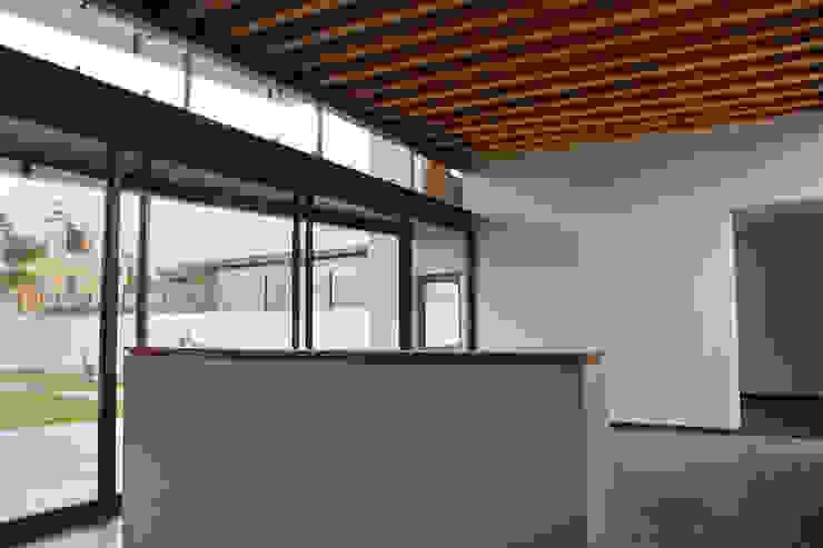 Casa FAR Salones modernos de VG+VM Arquitectos Moderno