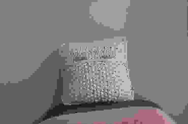 Poduszka dekoracyjna z lawendą. od Manufaktura pracownia artystyczna Rustykalny