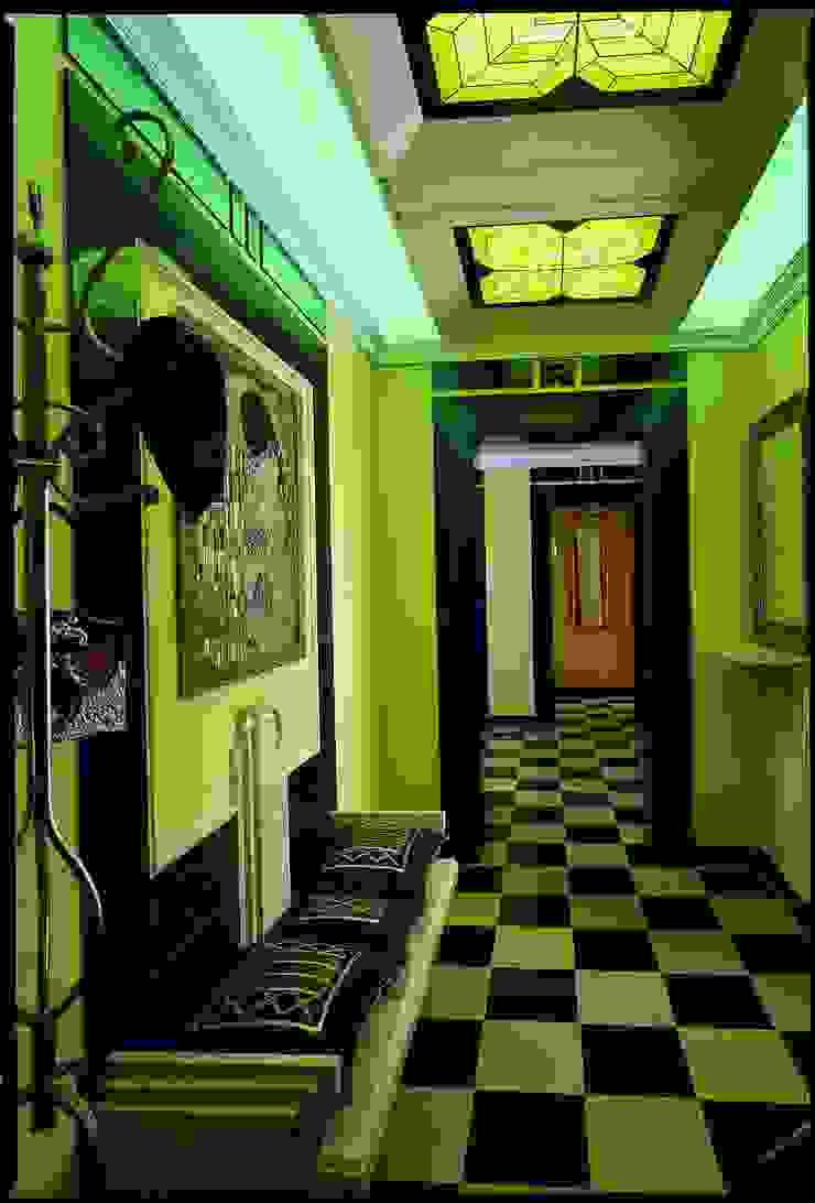 Золотой ар-Деко Коридор, прихожая и лестница в классическом стиле от Studio B&L Классический