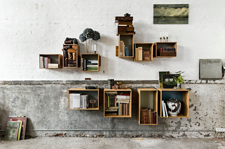 Salones de estilo  de We Do Wood
