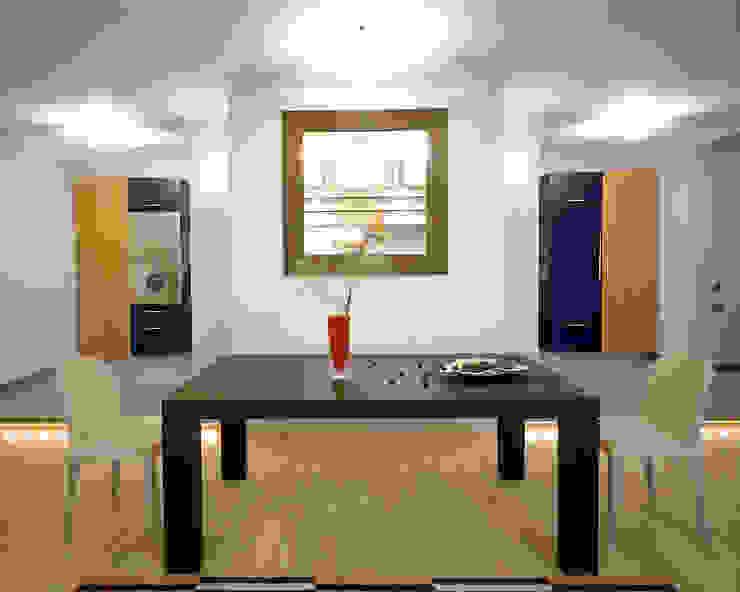 Балтийские дюны Столовая комната в стиле минимализм от Studio B&L Минимализм