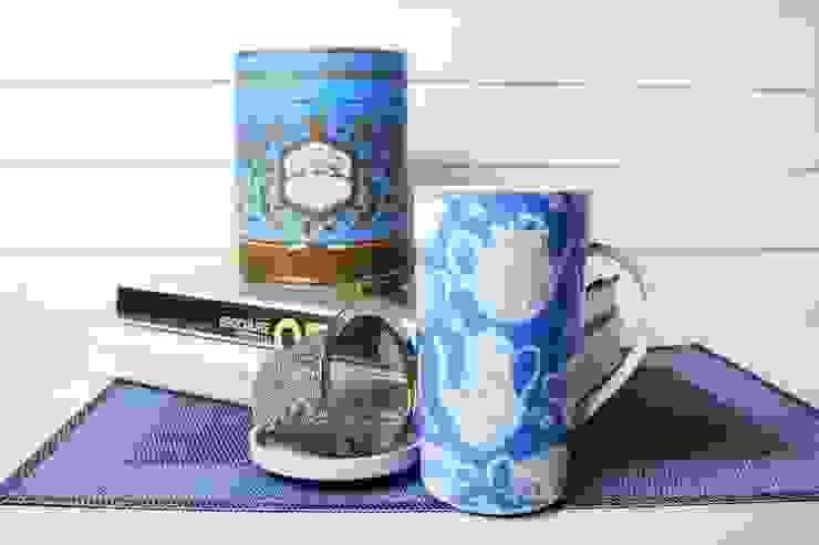 Kubek porcelanowy w puszce, 350ml z zaparzaczem Czajniczki Niebieskie od Silly Design - prezentowa porcelana Klasyczny