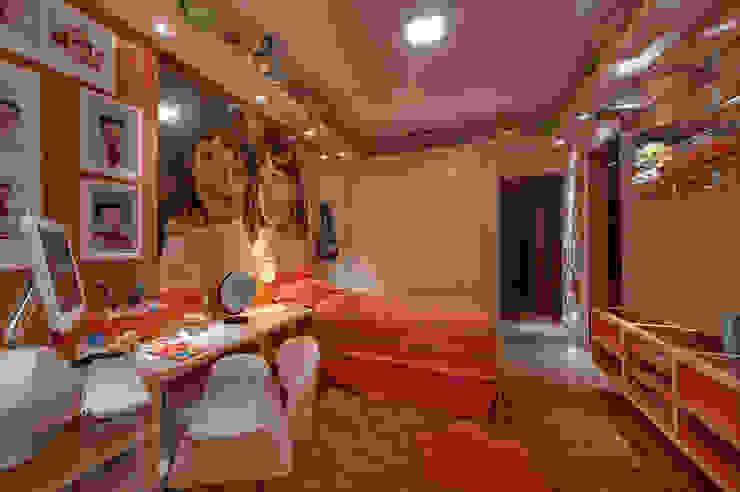 arquiteta aclaene de mello Modern nursery/kids room Orange