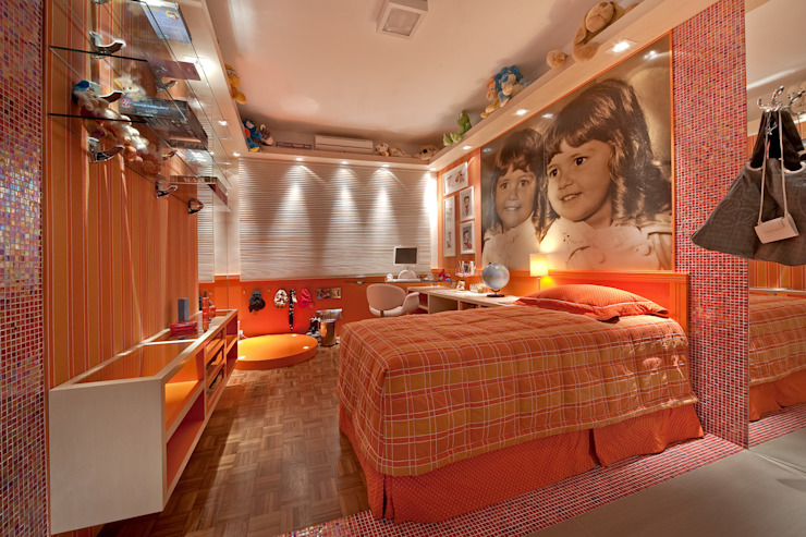 Детская комната в стиле модерн от arquiteta aclaene de mello Модерн
