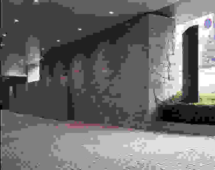 セルリアンタワー東急ホテル日本庭園 閑坐庭 モダンなホテル の 枡野俊明+日本造園設計 モダン
