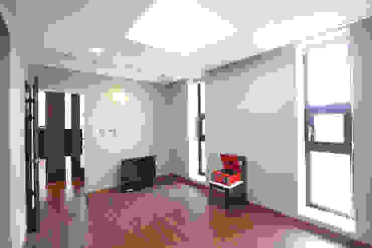 Bedroom by 주택설계전문 디자인그룹 홈스타일토토,