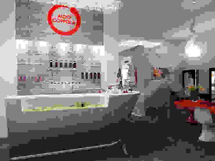 """Центра красоты и spa """"Aldo Coppola"""" Кабинеты врачей в стиле минимализм от ЙОХ architects Минимализм"""