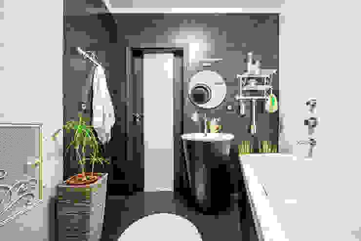 SAZONOVA group Minimalist bathroom