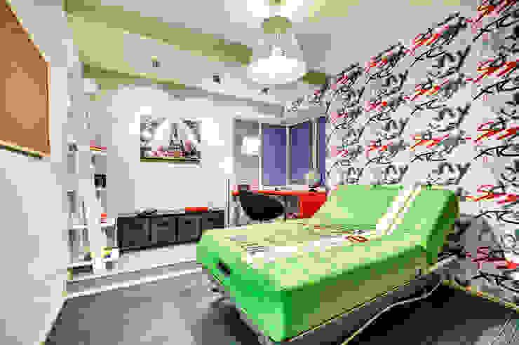 SAZONOVA group Eclectic style nursery/kids room