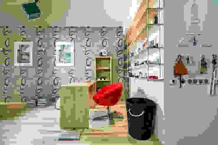 Проект 3х комнатной квартиры-студии 95 м² Рабочий кабинет в эклектичном стиле от SAZONOVA group Эклектичный