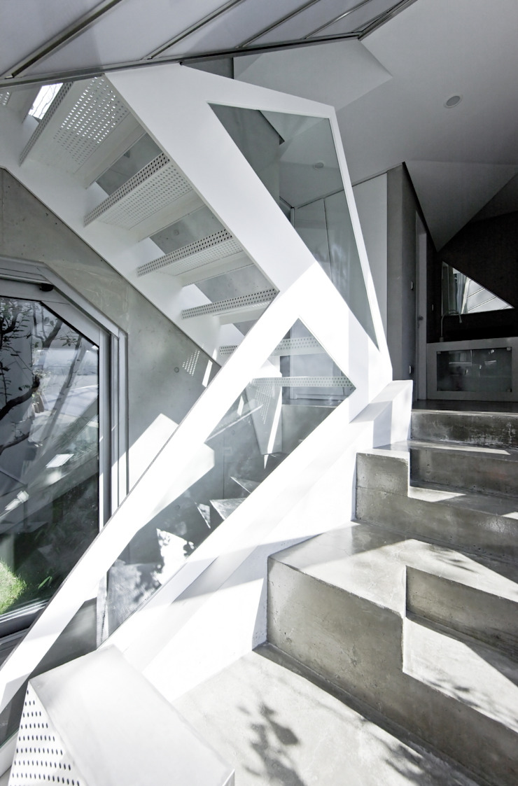 IROJE KIMHYOMAN Koridor & Tangga Modern