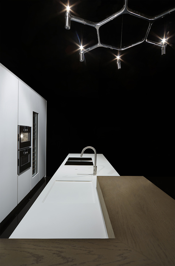 One - Corian Kitchen Ri.fra mobili s.r.l. Cucina moderna