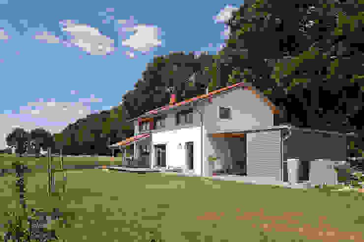 Gartenansicht Skandinavische Garagen & Schuppen von gondesen architekt Skandinavisch