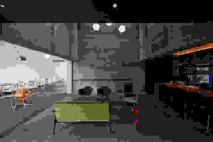 EDWARD JOHNSTON CAFÉ の 窪田建築都市研究所 有限会社