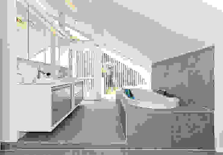 Nowoczesna łazienka od DAVINCI HAUS GmbH & Co. KG Nowoczesny