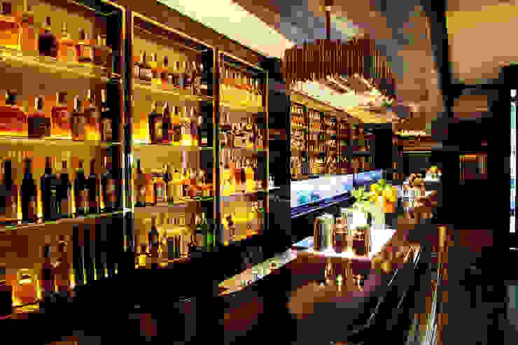 Cocktelería Solange Luxury & Spirits Bares y clubs de estilo moderno de Carlos Martinez Interiors Moderno