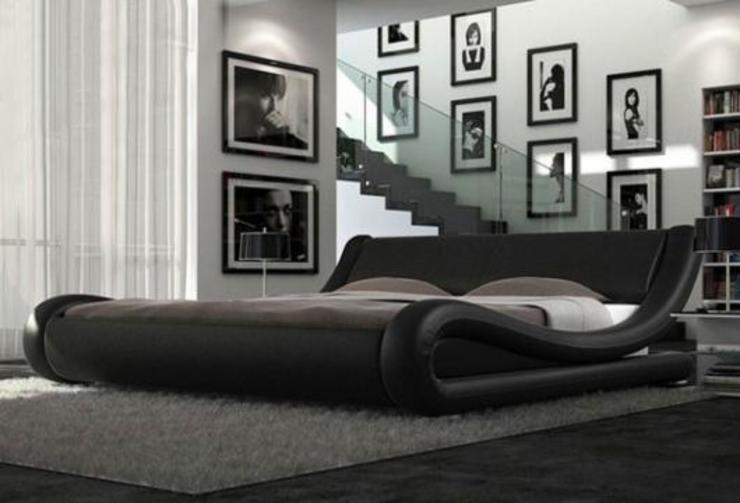 Cala italian bed:  Bedroom by LeatherBedsArena,