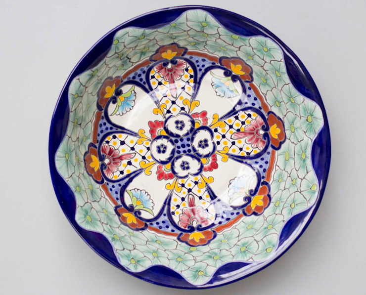 Large Fruit Bowl Talavera: eclectic  by DesignRaaga, Eclectic