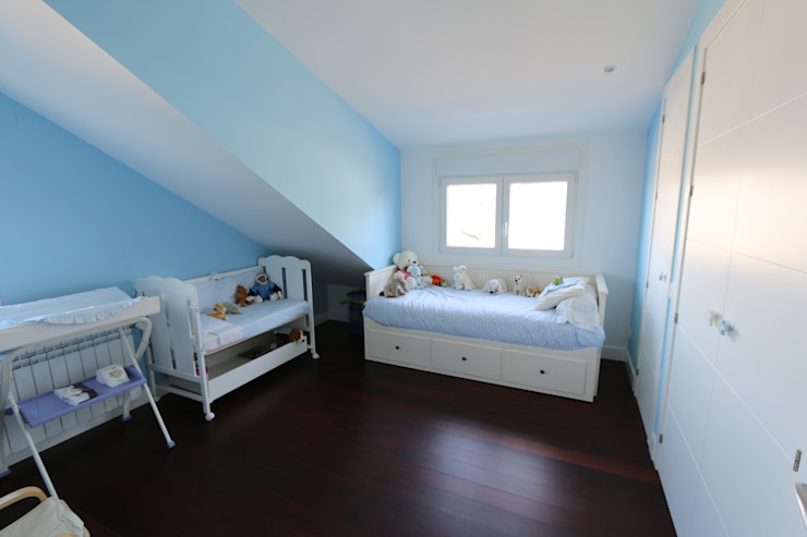 Nursery/kid's room by Canexel, Classic