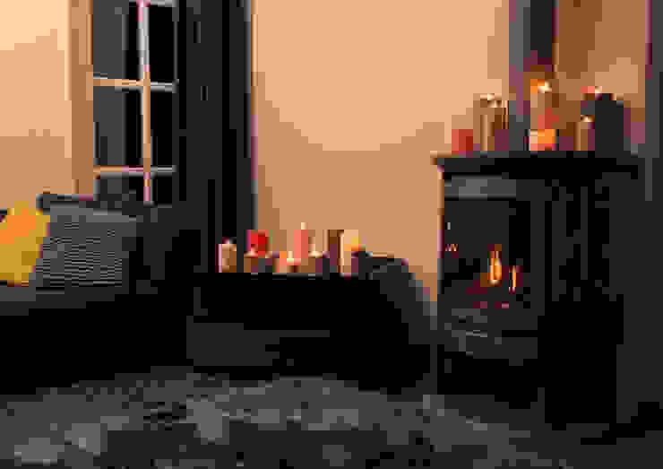 Kaars en haard :  Woonkamer door My Flame Lifestyle