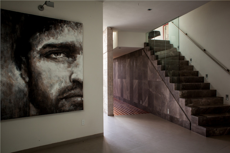 Vestíbulo de acceso Pasillos, vestíbulos y escaleras de estilo moderno de GRUPO VOLTA Moderno