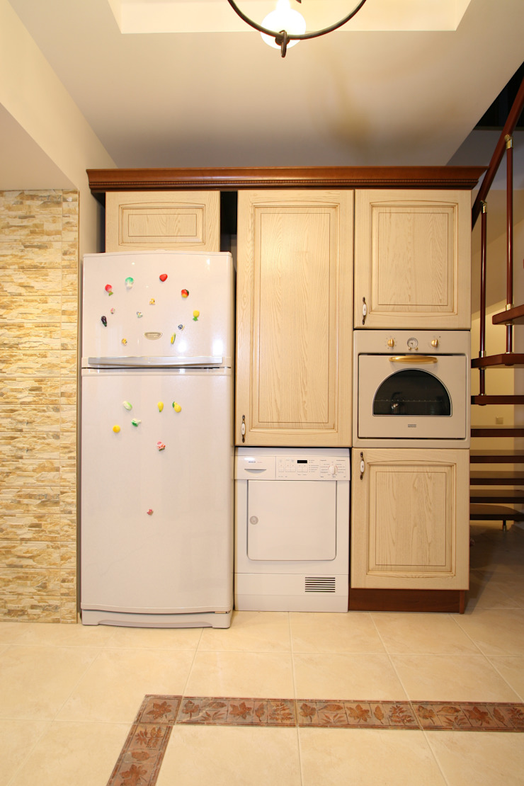 Интерьер загородного дома Кухня в стиле кантри от Наталья Дубовая Charman-design Кантри