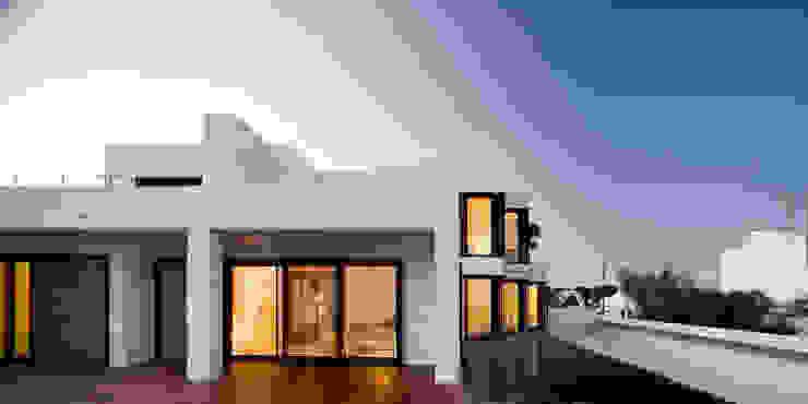 Casa en el camí del Far. Ciutadella. Menorca Casas de estilo mediterráneo de MSA+A Adolf Martínez/Josep Lluís Sisternas, arquitectes i ass. Mediterráneo