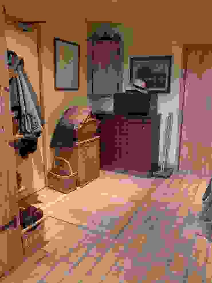 Original Spiral Cellar aith Standard Trap Door Rustic style wine cellar by Spiral Cellars Rustic