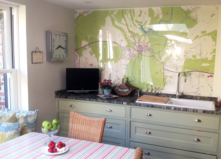 Bespoke Map Wallpaper Kitchen Splashback Design Wallpapered 現代廚房設計點子、靈感&圖片
