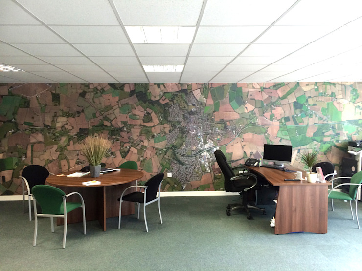 Bespoke Satellite Aerial Map wallpaper for the office オリジナルデザインの 書斎 の Wallpapered オリジナル