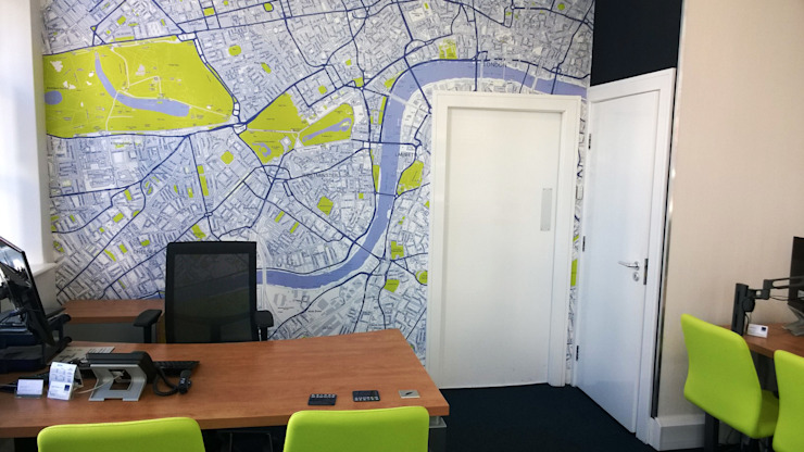 Customised Map of London Wallpaper モダンデザインの 書斎 の Wallpapered モダン