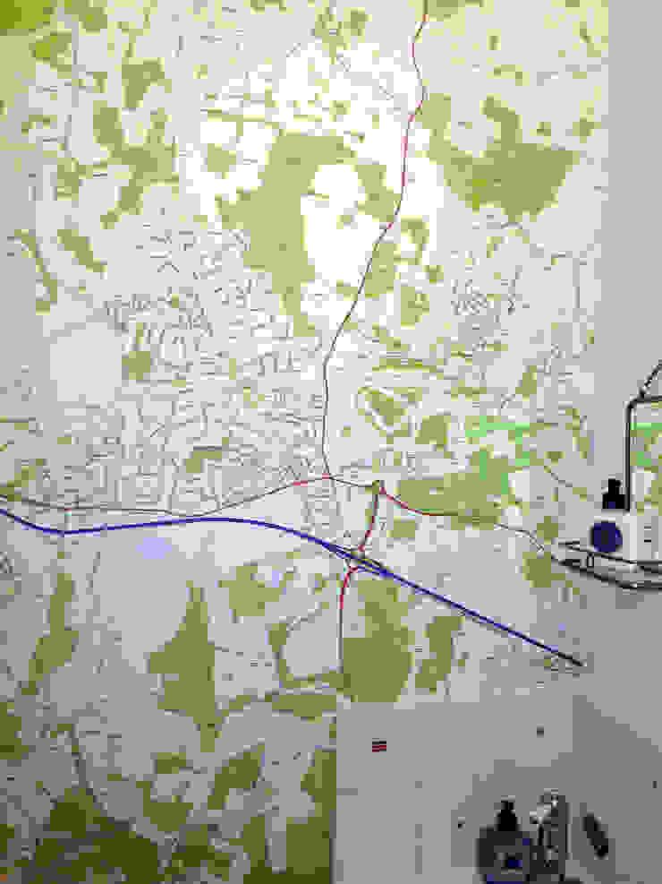 Custom Map Wallpaper installed in the bathroom Eclectic style bathroom by Wallpapered Eclectic