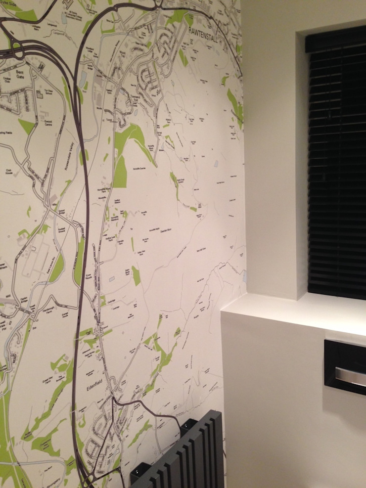 Personalised Map Wallpaper installed in the bathroom オリジナルスタイルの お風呂 の Wallpapered オリジナル