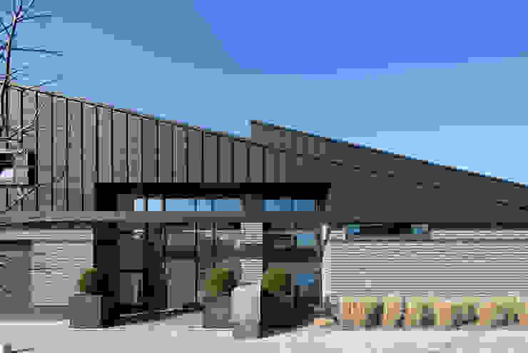 entree Moderne huizen van Sax Architecten Modern