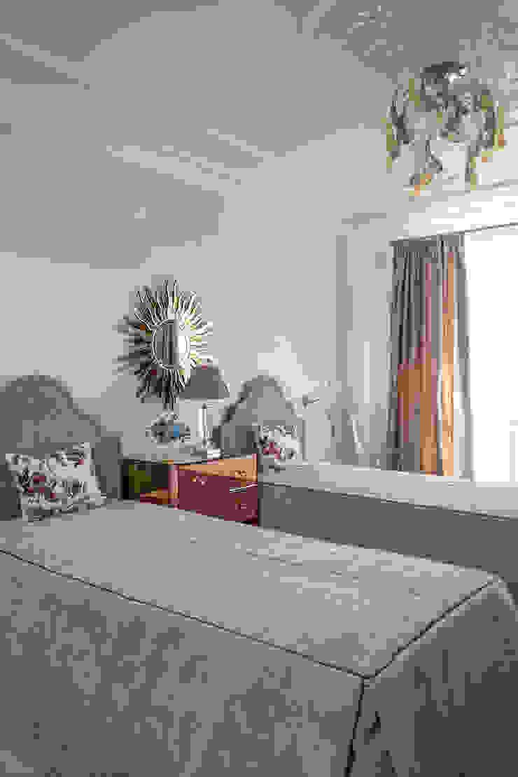 Dormitorios infantiles de estilo clásico de МАРИНА ПОКЛОНЦЕВА Clásico