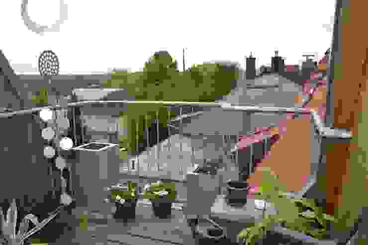 Modern Terrace by homify Modern