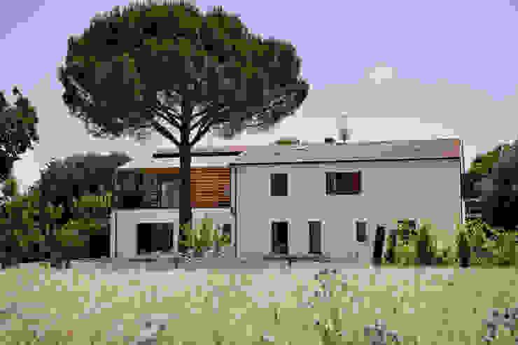 Mediterranean style houses by mc2 architettura Mediterranean
