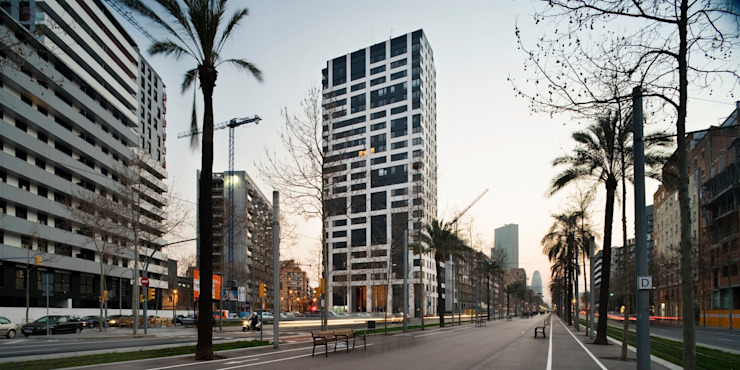 Torre Nova Diagonal. Barcelona Casas de estilo moderno de MSA+A Adolf Martínez/Josep Lluís Sisternas, arquitectes i ass. Moderno